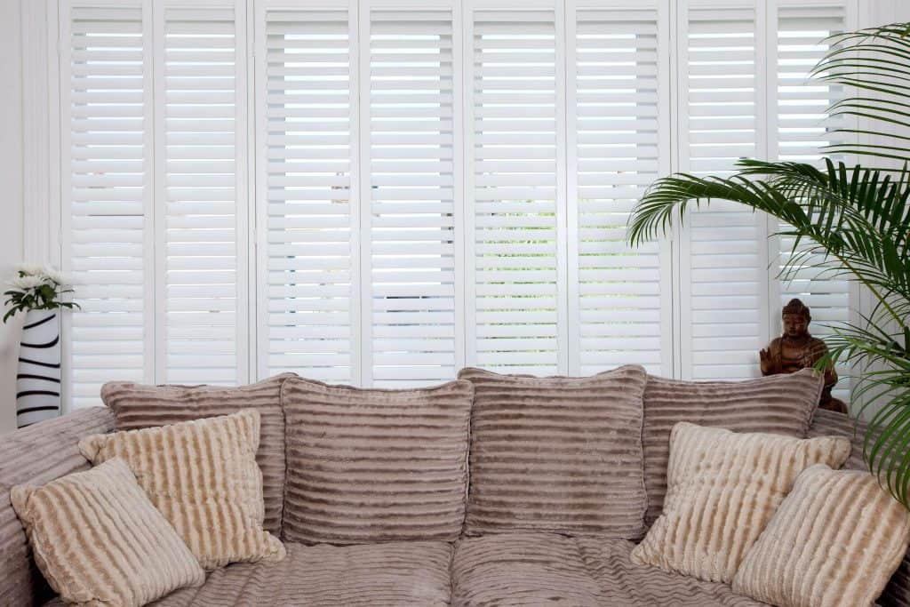 Full length shutter blinds