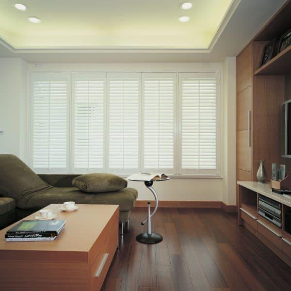 Front room plantation shutter blinds